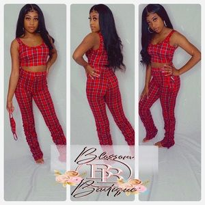 Three piece pants set mask included
